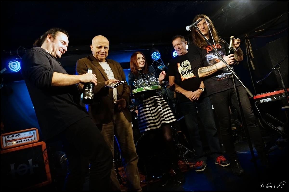 Křest CD Space Shuffle - zleva: Dan Hubáček, Ivan Mládek, Petra Macháčková, Karel Kahovec, Jan Holeček