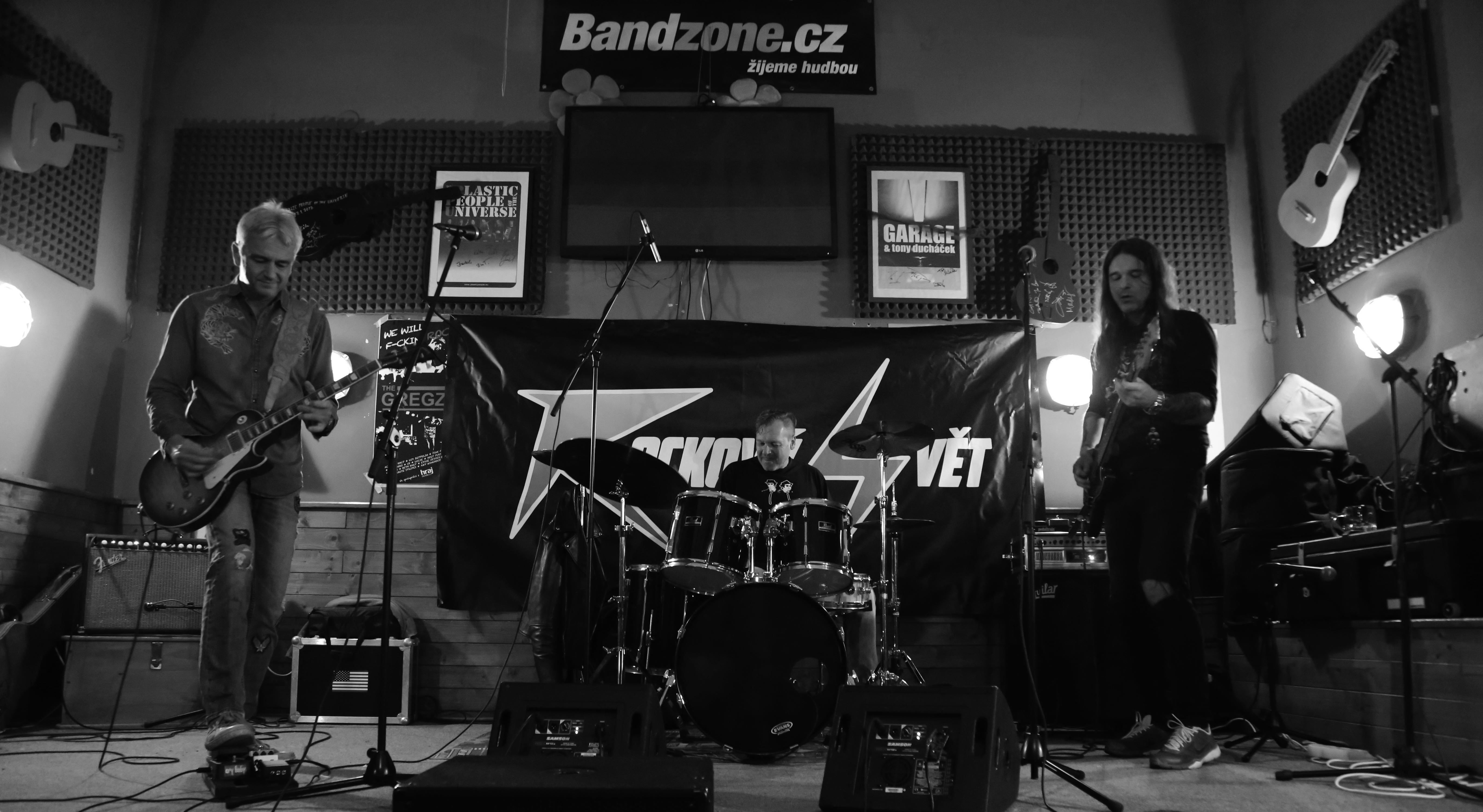 Blues Amplified - zleva: Jindřich Musil, Pavel Razím, Jan Holeček