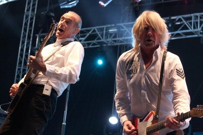 Francis Rossi a Rick Parfitt, koncert v Havířově v září 2011