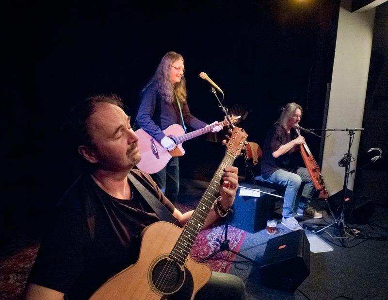 "Ivan Hlas Trio - zleva: Norbi Kovács a Jaroslav ""Olin"" Nejezchleba"