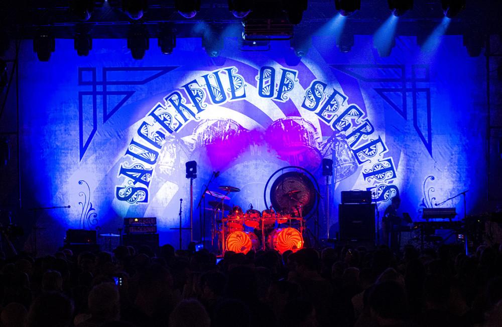 Nick Mason's Saucerful Of Secrets: pódium před koncertem