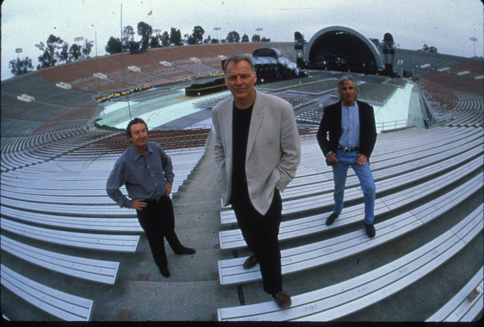 Pink Floyd na Strahově zleva -  Nick Mason, David Gilmour, Rick Wright