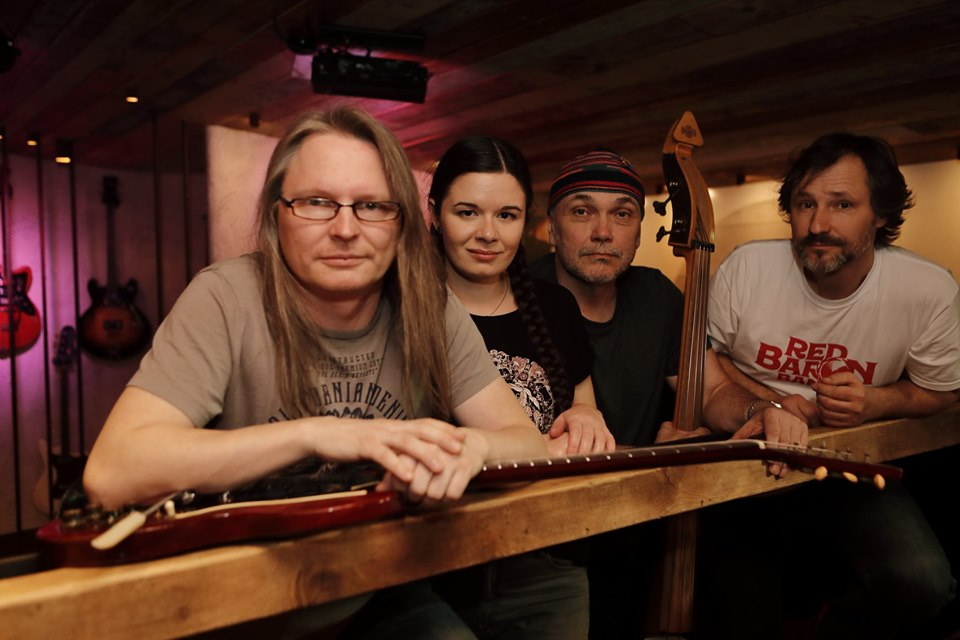 Red Baron Band - zleva: Paul Kowacz, Marika Postlerová, Jiří G. Rubeš a Radek Horník