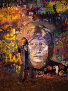 Zeď Johna Lennona na pražské Kampě